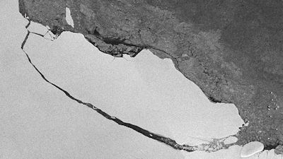 A huge chunk of the Larsen C ice shelf broke off last month, but researchers say this might not be the end of the story (Credit: A. Fleming, British Antarctic Survey)